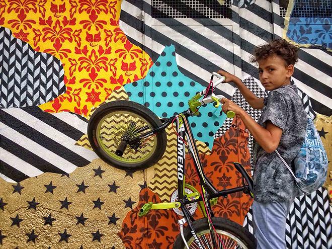 UNO street art - Camouflage 87054, murale a Rogliano (Cosenza), per Guia Festival 2016. Model: Gianmaria aka Ria