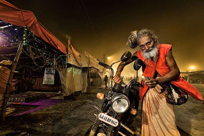 ©Massimiliano Sticca - Sadhu and his motorbike, Allahabad (India)