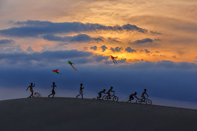 ©Jacky Wong Choon Kit - Play Time By The Dune, Vietnam