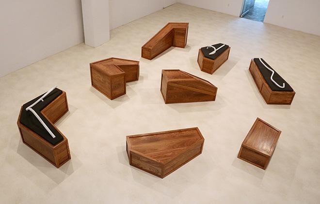 Ai Weiwei - Rebar and Case (Tondino e cassa), 2014. Legno huali, marmo e gommapiuma, differenti dimensioni. Courtesy l'artista e Galleria Continua, San Gimignano/Beijing/Les Moulins/Habana
