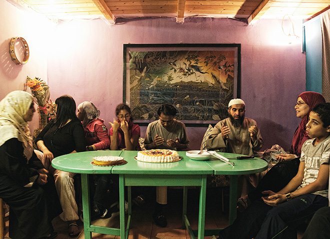 Fabio Moscatelli - Muslim version of last dinner. Fotografia per #TOGETHERSTRONGER STEP FORWARD