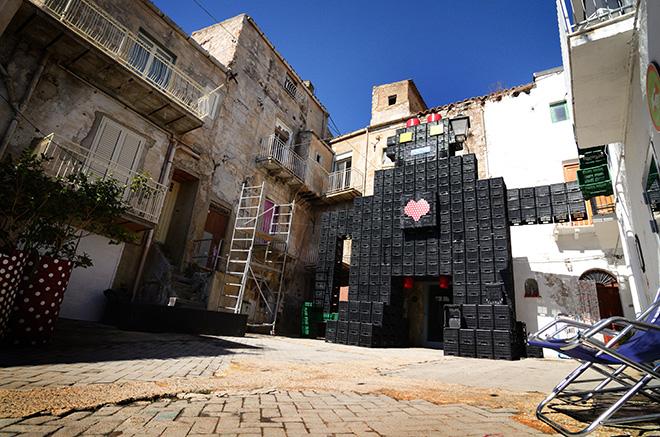 Massimo Sirelli - Installazione per Miscita Favara farmcultural park, 2014. Photo by Machy