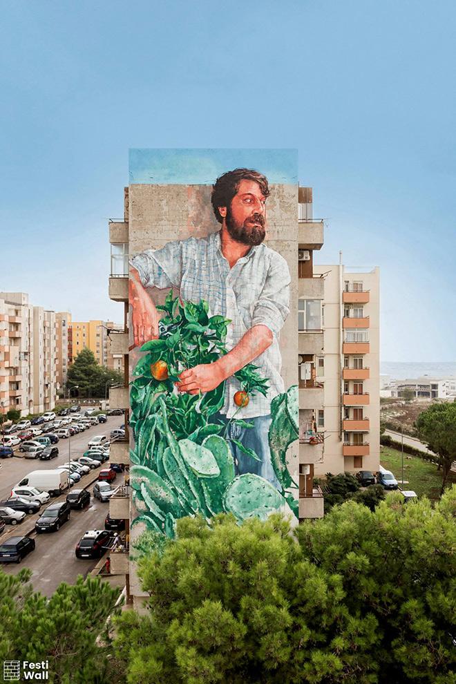 Fintan Magee - The Gardener, Ragusa festiwall, Public art Festival. Photo credit: Marcello Bocchieri