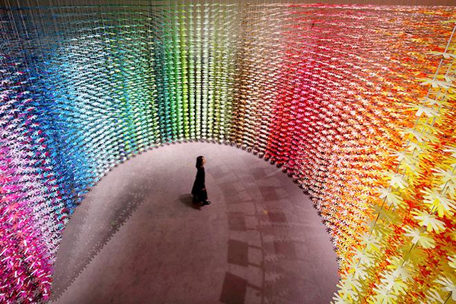 Emmanuelle Moureaux – Color Mixing