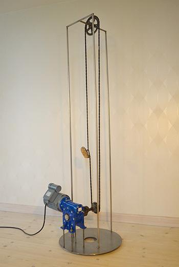Christine Overvad Hansen (Danimarca) - Stonemachine, 2011, pietra, motore, ingranaggio, metallo, cm 181x53x61