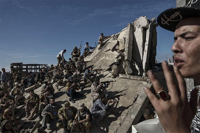 Alessio Romenzi - We Are Not Taking Any Prisoners, Sirte, Libya, November 26, 2016, World Press Photo 2017, General News, third prize stories