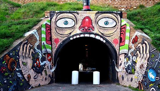 Con gli occhi al muro - La street art in Italia