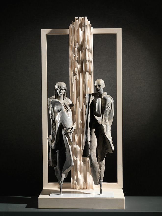 Giorgio Conta - Together, 2015, bronze and wood, 90x40x25 cm