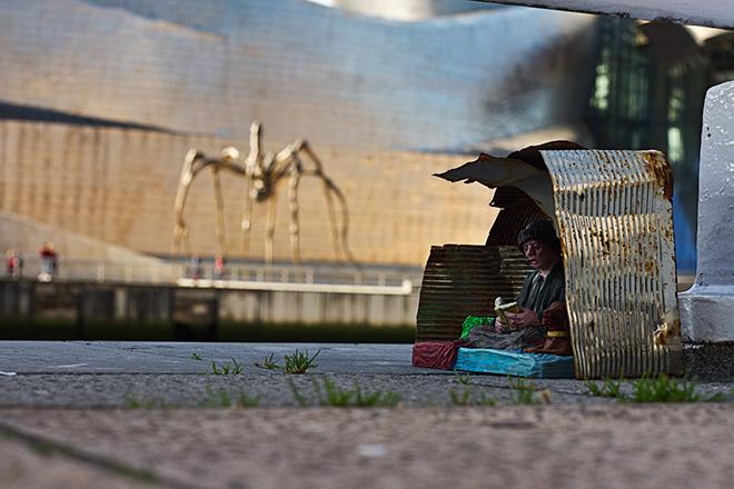 Isaac Cordal - American dream, Photograph 100 X 70cm. Bilbao, 2017