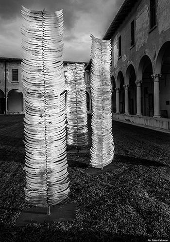 Franca Ghitti - Bosco, primi anni Duemila, Roma, Collezione Galleria Nazionale d'Arte Moderna, installazione, scarti di ferro. photo credit: ©Fabio Cattabiani