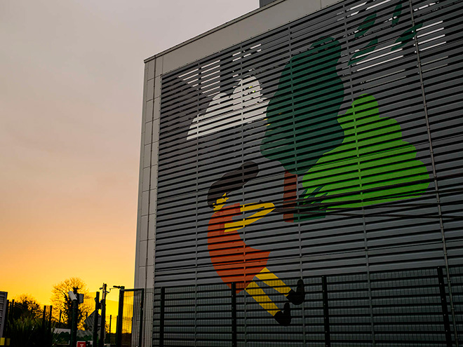 Fuchsia MacAree - Dublin Google Data Center, The Data Center Mural project