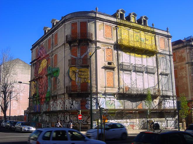 Blu + Os gemeos - Picoas, Street art, Lisbona