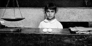 Piergiorgio Branzi - Pasqua a Tricarico, 1955