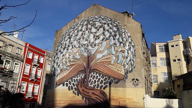 Violant - Street art Lisbona