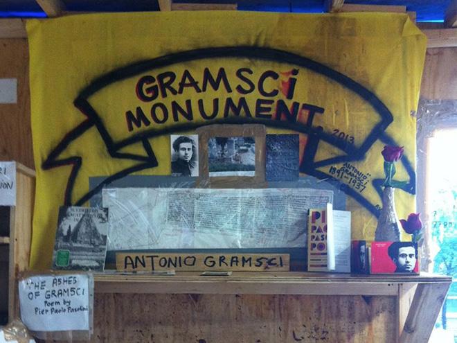 Thomas Hirschorn – Gramsci Monument