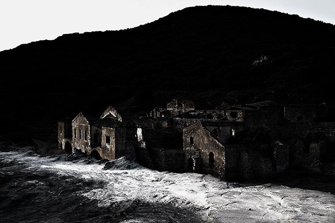 Carlo Vannini - Senza titolo, dalla mostra Cupi fantasmi di una Sardegna perduta, 2015, stampa inkjet su carta baritata, cm 33x48