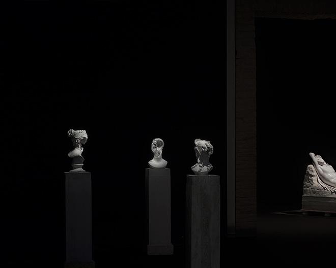 mustafa sabbagh - Ferite _ untitled, 2017, stampa fine art su dibond, ed. di 5 + 1 pa. courtesy: l'artista, gypsotheca e museo antonio canova [possagno, tv], galleria marcolini [fo]