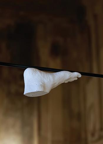 Lello Torchia - Bilico (particolare, 2017) - ferro e resina, dimensioni variabili