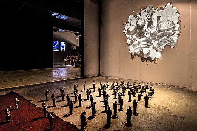 Borondo - Matière Noire, Marsiglia. (Isaac Cordal, installation). photo credit: ©Roberto Conte