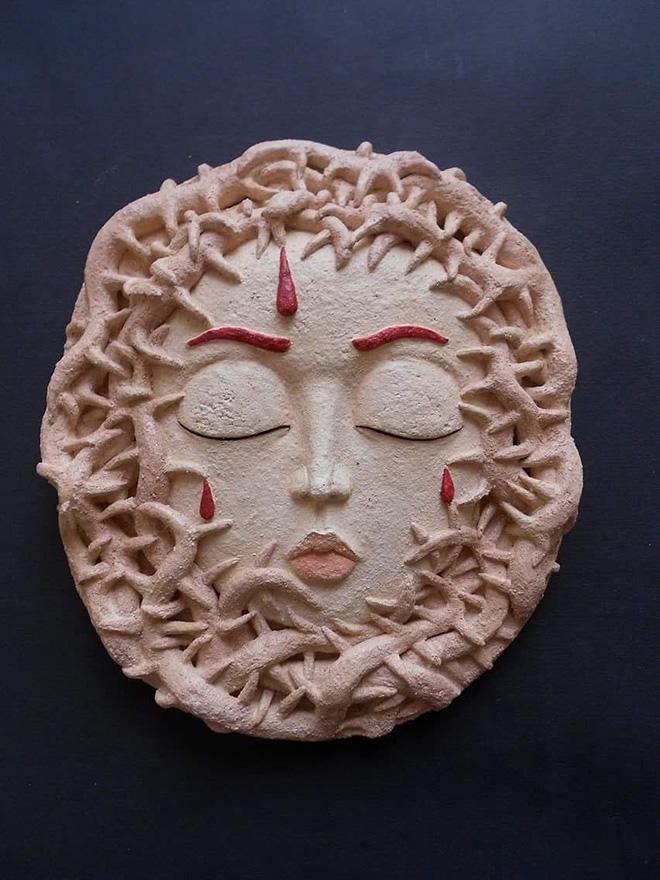 Debora Malis - Fiordirovo, terracotta dipinta, 18x20 cm