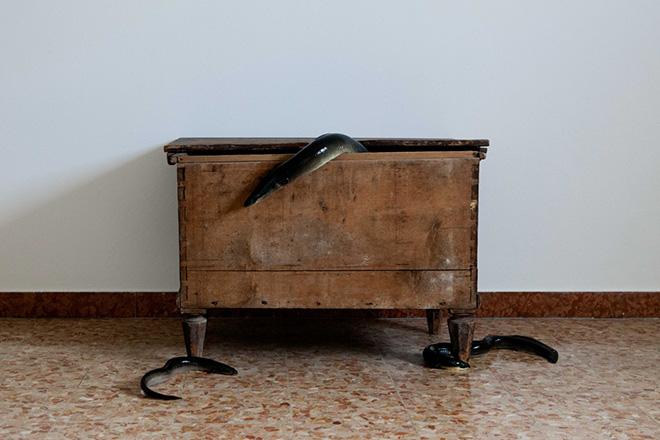 Silvia Bigi - Il corredo della sposa, 2017, dalla serie L'albero del latte, stampa giclée, 80x120 cm