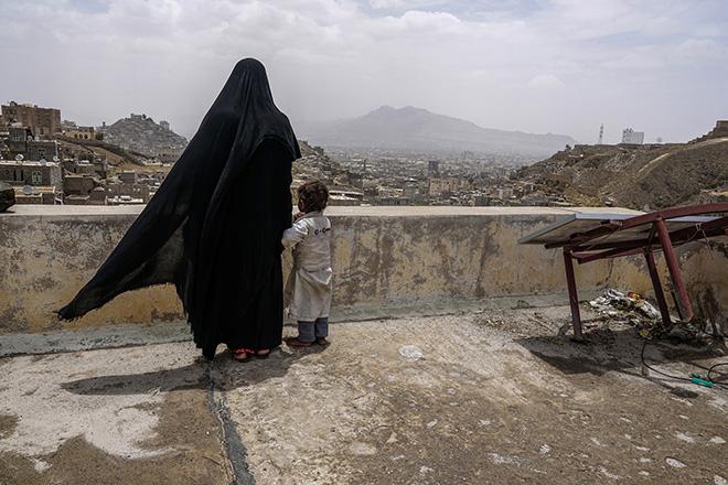 Giles Clarke (U.S.A.) - Yemen In Crisis, Projects & Portfolios. URBAN 2017 Photo Awards