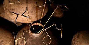 Rudy Pulcinelli - Bíos, 2018, installazione site specific, vasi di ferro e filo di ferro cotto, dimensioni variabili, particolare.