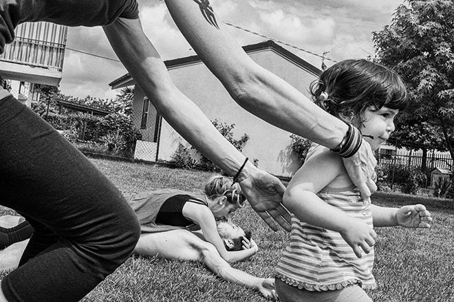 Dino Jasarevic (Italy) - We Need More Love, Street Photography. URBAN 2017 Photo Awards