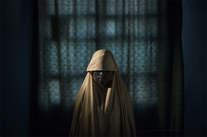 Adam Ferguson, The New York Times. Title: Boko Haram Strapped Suicide Bombs to Them. Somehow These Teenage Girls Survived. - Aisha, age 14. Persone, Storie, 1° premio. World Press Photo of the Year 2018
