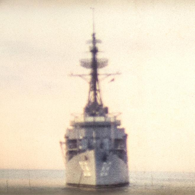 Francesca Catellani - Nave militare (Mar di Sicilia, 1971), fotografia per installazione Memories in Super8, stampa digitale su carta fotografica, cm. 17x17, Galleria Parmeggiani, Reggio Emilia, 2018.