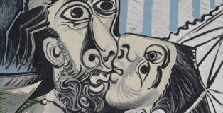 Pablo Picasso - Il bacio, 1969, olio su tela, 97x130 cm. Paris, Musée National Picasso. Credito fotografico: © RMN-Grand Palais (Musée national Picasso-Paris) /Jean-Gilles Berizzi/ dist. Alinari. ©Succession Picasso, by SIAE 2018