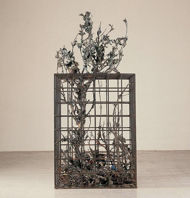 Alik Cavaliere - W la libertà, 1976-1977, bronzo, cm 227x105x103 - Gallerie d'Italia
