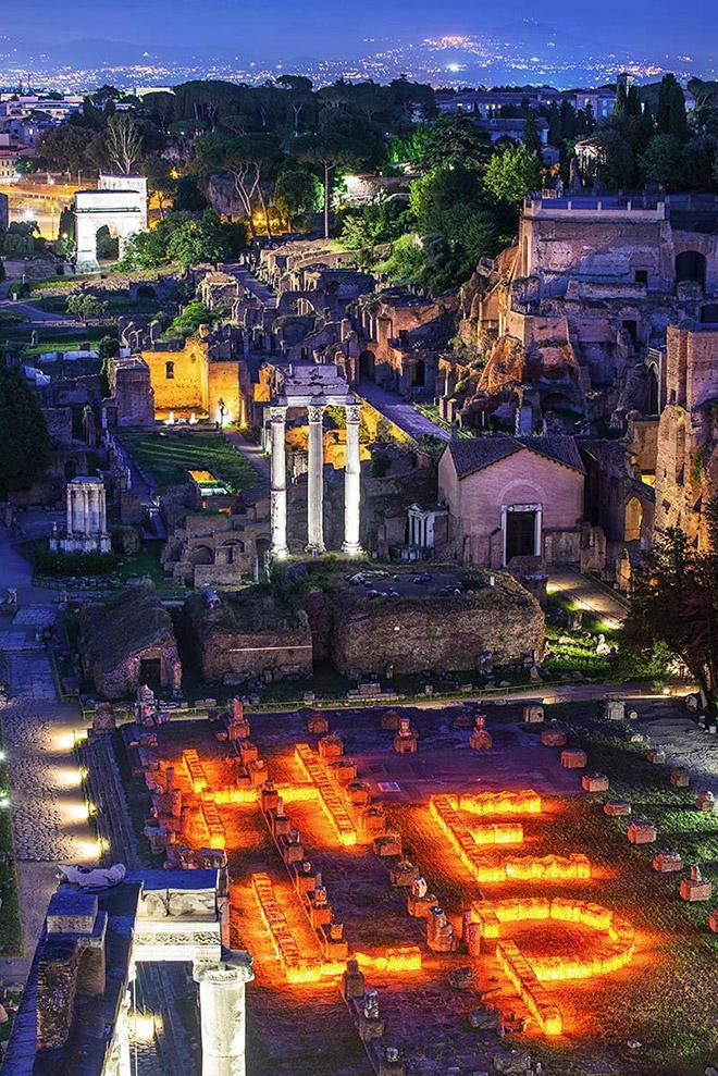 Maria Cristina Finucci - HELP the Ocean, Parco Archeologico del Colosseo, quadriportico di Santa Maria Antiqua, all'interno del Foro Romano (Roma)