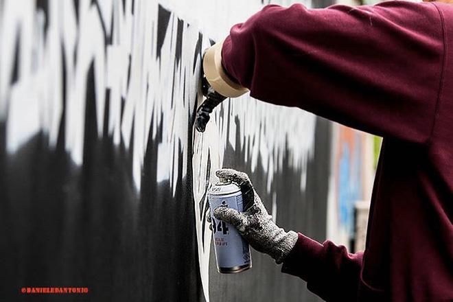 Opiemme - To Stephen Hawking, murale a Torino (Corso Tassoni). photo credit: Daniele Dantonio