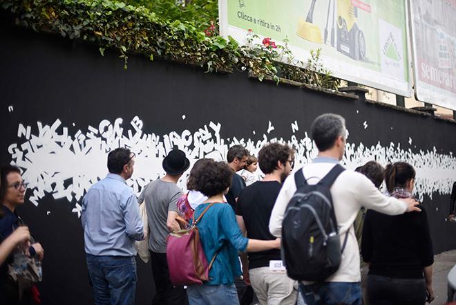 Opiemme - To Stephen Hawking, murale a Torino (Corso Tassoni). photo credit Gabriella di Muro