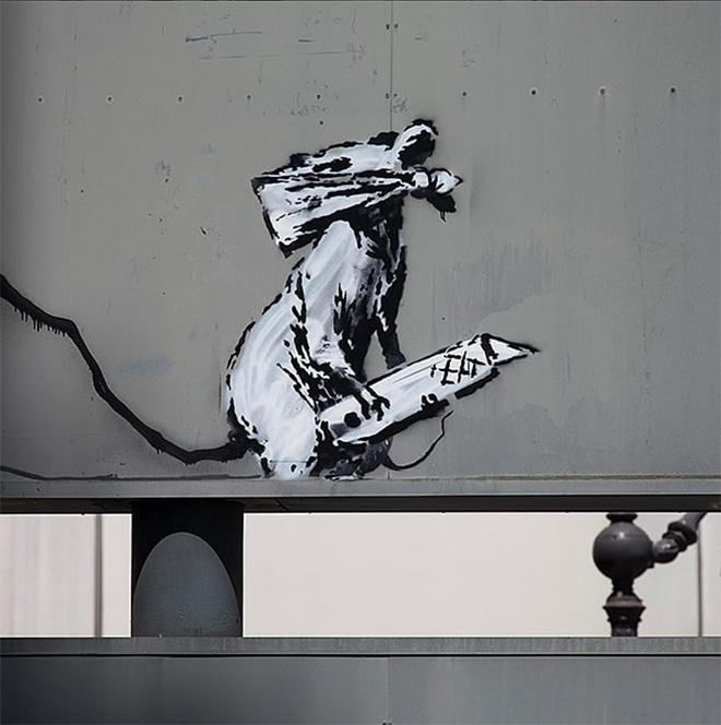 Banksy - Centre Pompidou, Paris