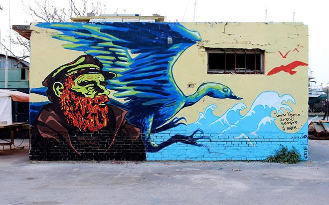 Larva + 3Zeta - Uomo libero amerai sempre il mare, Vedo a colori, street art nel porto di Civitanova Marche