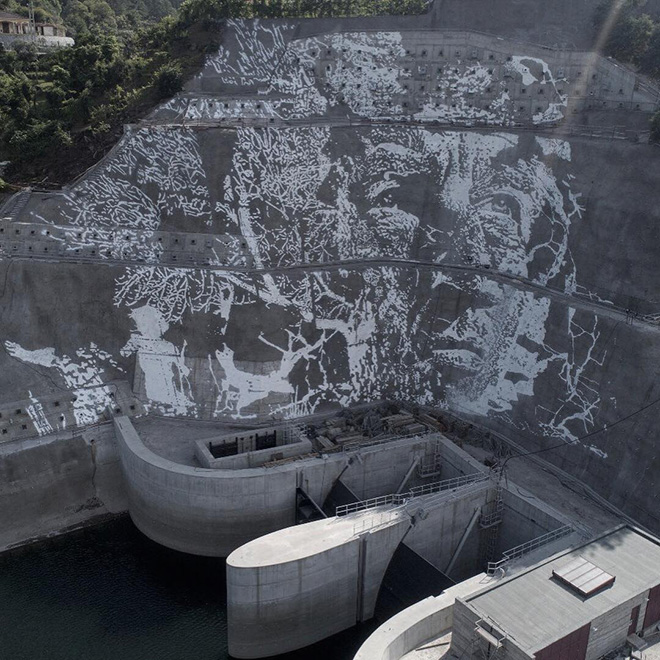 Vhils - Caniçada Dam Project (Vieira do Minho), Portugal. photo credit: © EDP & Pedro Santasmarinas & João Almeida