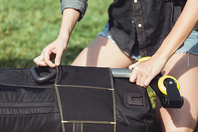 Atlas Sabbatical - Lo zaino ibrido (backpack + trolley). photo credit: Pablo Bustos