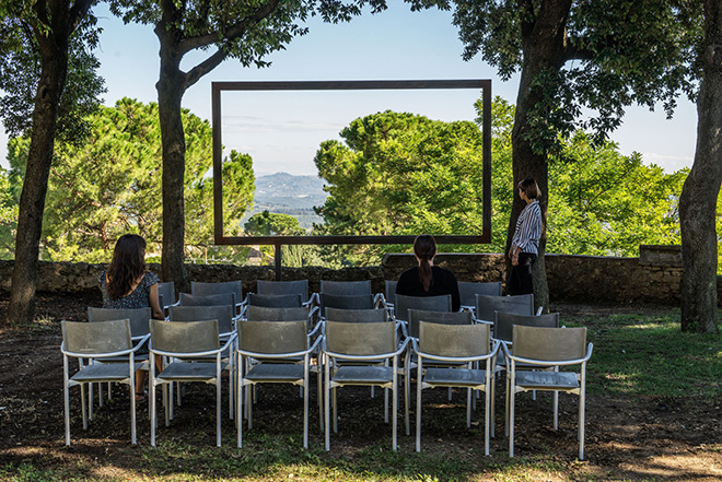 Sislej Xhafa - Cinema Aperto Palestina, 2016, metallo, cm 288x320. Photo Credit Ela Bialkowska, Courtesy of the artist and Galleria Continua, San Gimignano / Beijing / Les Moulins / Habana.