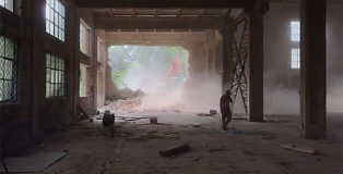 Ai Weiwei - Il governo cinese demolisce il suo studio di Pechino