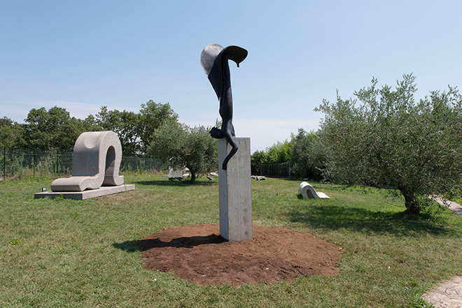 Francesca Tulli - Umana Natura, Sculture in campo, Un Parco per la Scultura Contemporanea, Bassano in Teverina (VT)