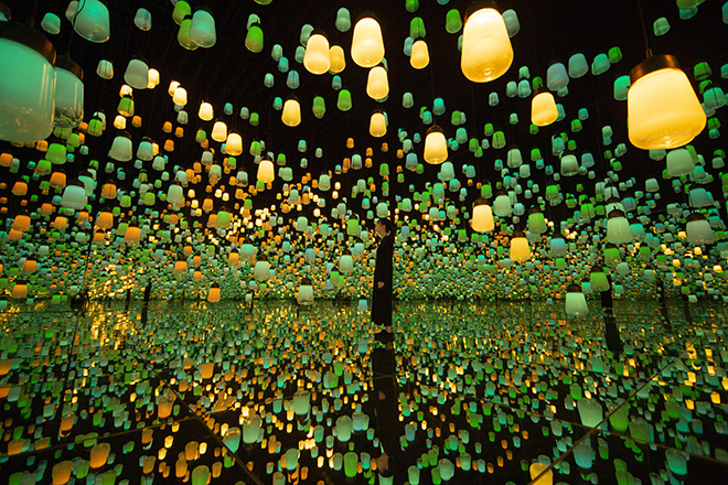 teamLab - Forest of Resonating Lamps One Stroke Autumn Mountain