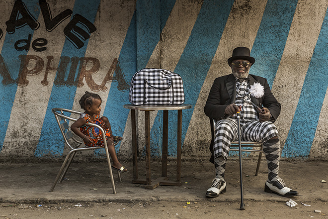 ©Tariq Zaidi - The Sapeurs of Brazzaville, Eyes Wide Open, Siena International Photo Awards 2018
