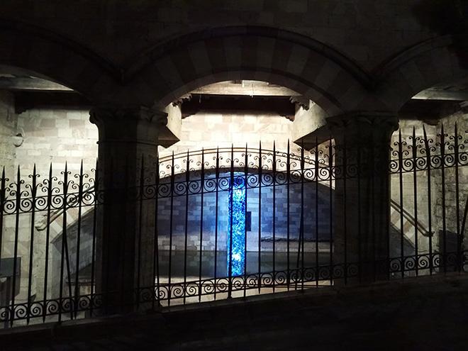 Stefano Frascarelli - CLÌMAX, installazione, Fonte di San Nicolò, Assisi
