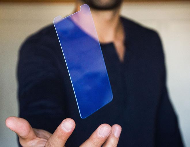 PURP – Salvare gli occhi dalla luce blu dello smartphone