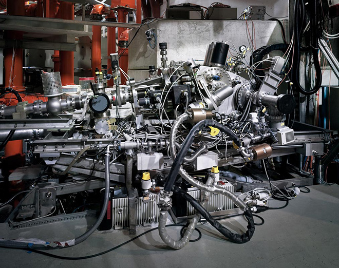 Thomas Struth - Spettrometro a incidenza radente / Grazing Incidence Spectrometer, Max Planck IPP, Garching, 2010