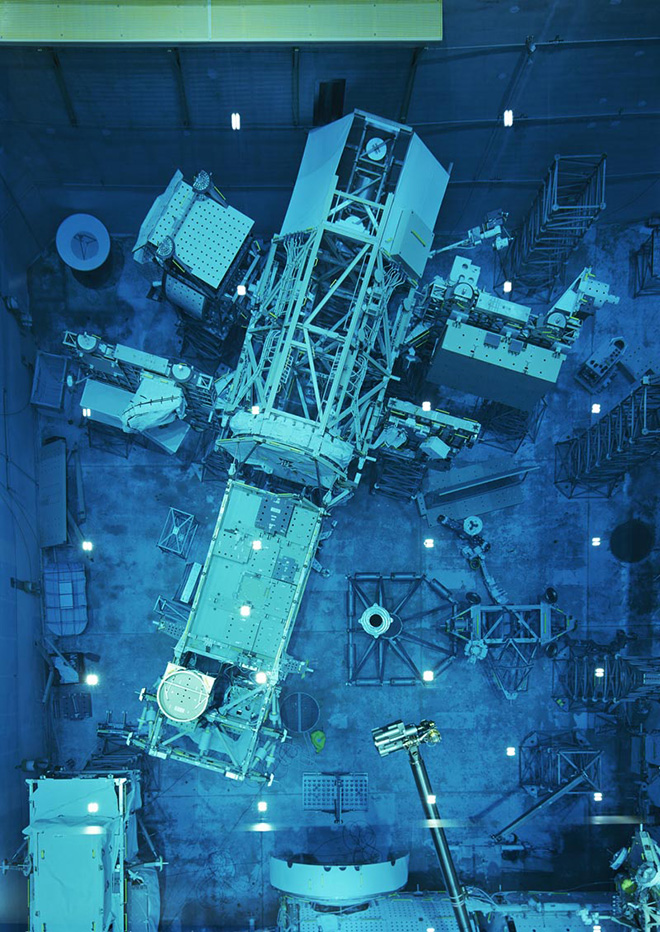 Thomas Struth - Modello in dimensioni reali / Full-scale Mock-up 2, JSC, Houston, 2017 Inkjet print, 208,1 x 148,6 cm. © Thomas Struth