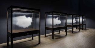 Leandro Erlich - Clouds, 2016. Mori Art Museum, Tokyo, Japan, 2017. Photo: Hasegawa Kenta, courtesy: Mori Art Museum.