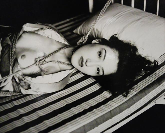 Nobuyoshi Arak - Woman in kimono Shino, 2000, gelatin-silver-print Galleria 13 - arte moderna e contemporanea(Reggio Emilia) -  SetUp Contemporary Art Fair 2019